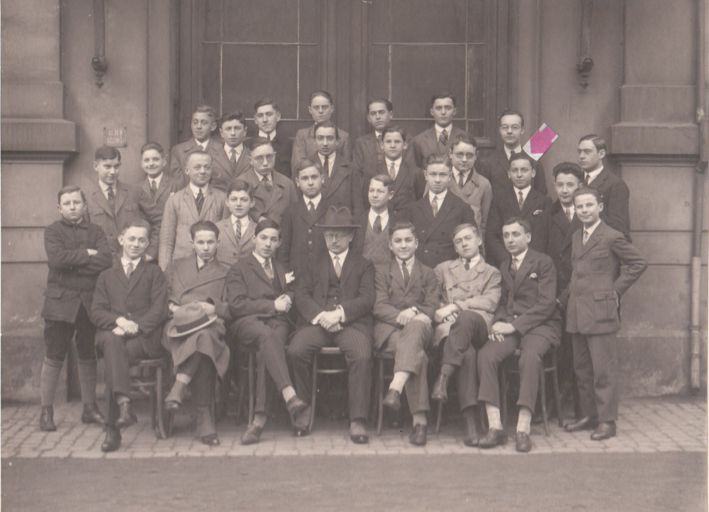 Martin Ansbacher with staff at a wholesaler in Frankfurt 1928